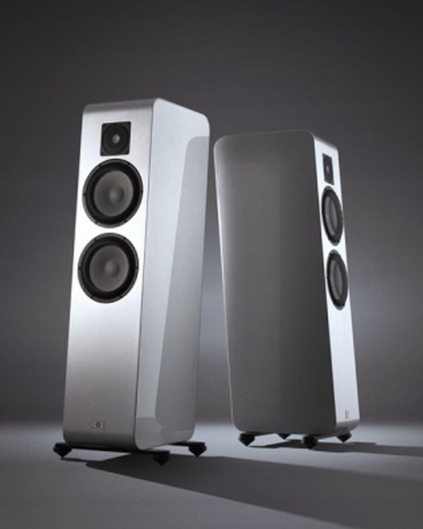 Marten Django L speakers