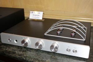 A Rogue Audio preamp at Asia Sound.