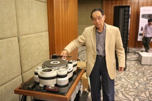 Turntable designer Hideaki Nishikawa and his masterpiece TechDAS Air Force One Turntable.