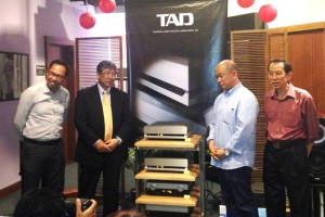 James Tan (second from right) and Low (right) of AV Designs at the launch of the TAD components.