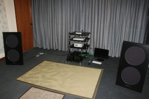 The Spatial speakers driven by the Clones 25pm monoblocks. The DAC is the Clones Sheva which is fed music files by a Mac mini.