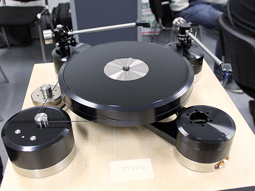 The Brinkmann Spyder turntable.