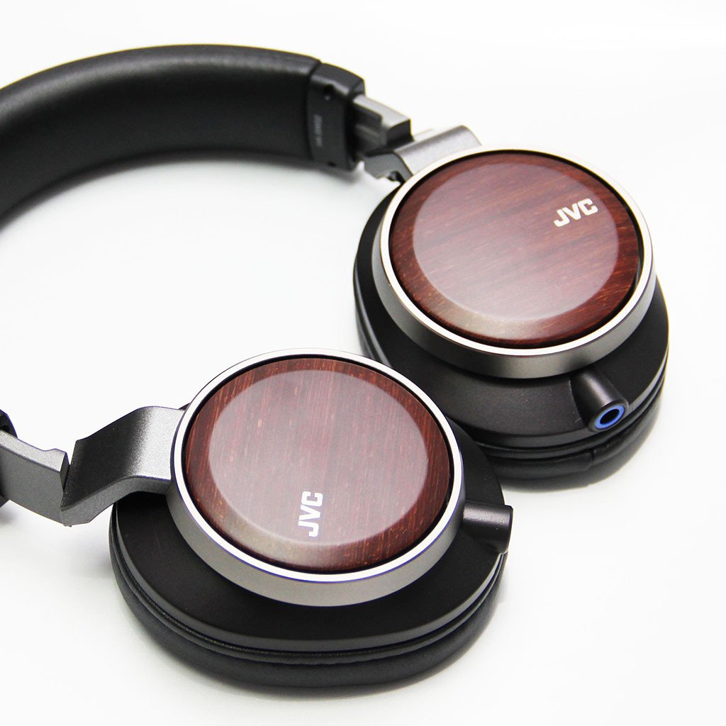The wood backplates of the HA-SW02 adds a cool retro vibe to these headphones. Note the sockets that allow transmission cable upgrade