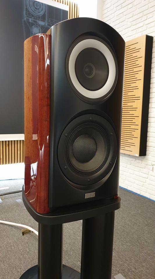 The TAD CR1 standmount speaker.